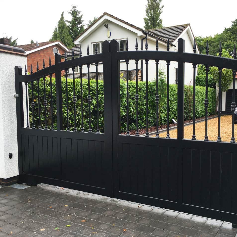 Metal wood effect driveway gates ironcraft